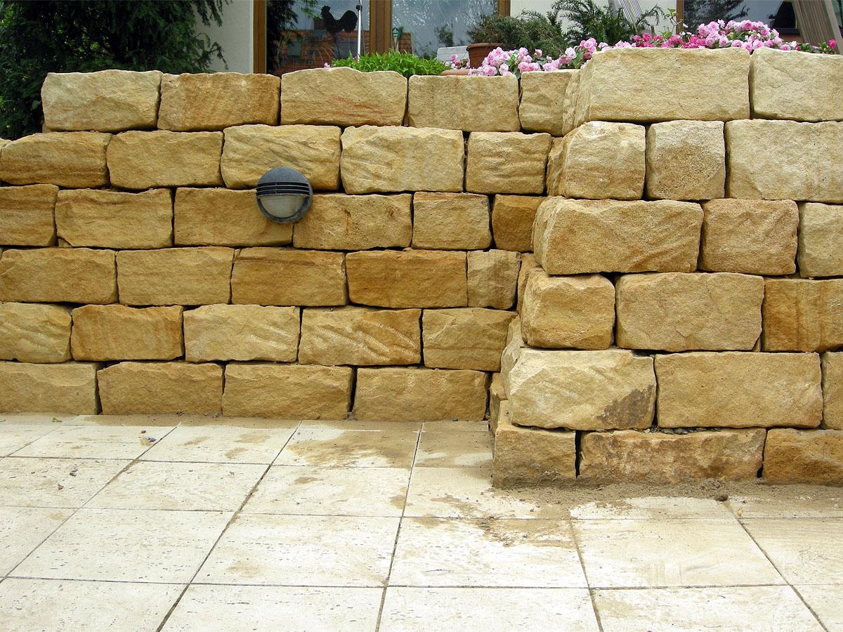 trockenmauerstein sandstein gelb ocker 15x20x40 naturstein baumaterial. Black Bedroom Furniture Sets. Home Design Ideas