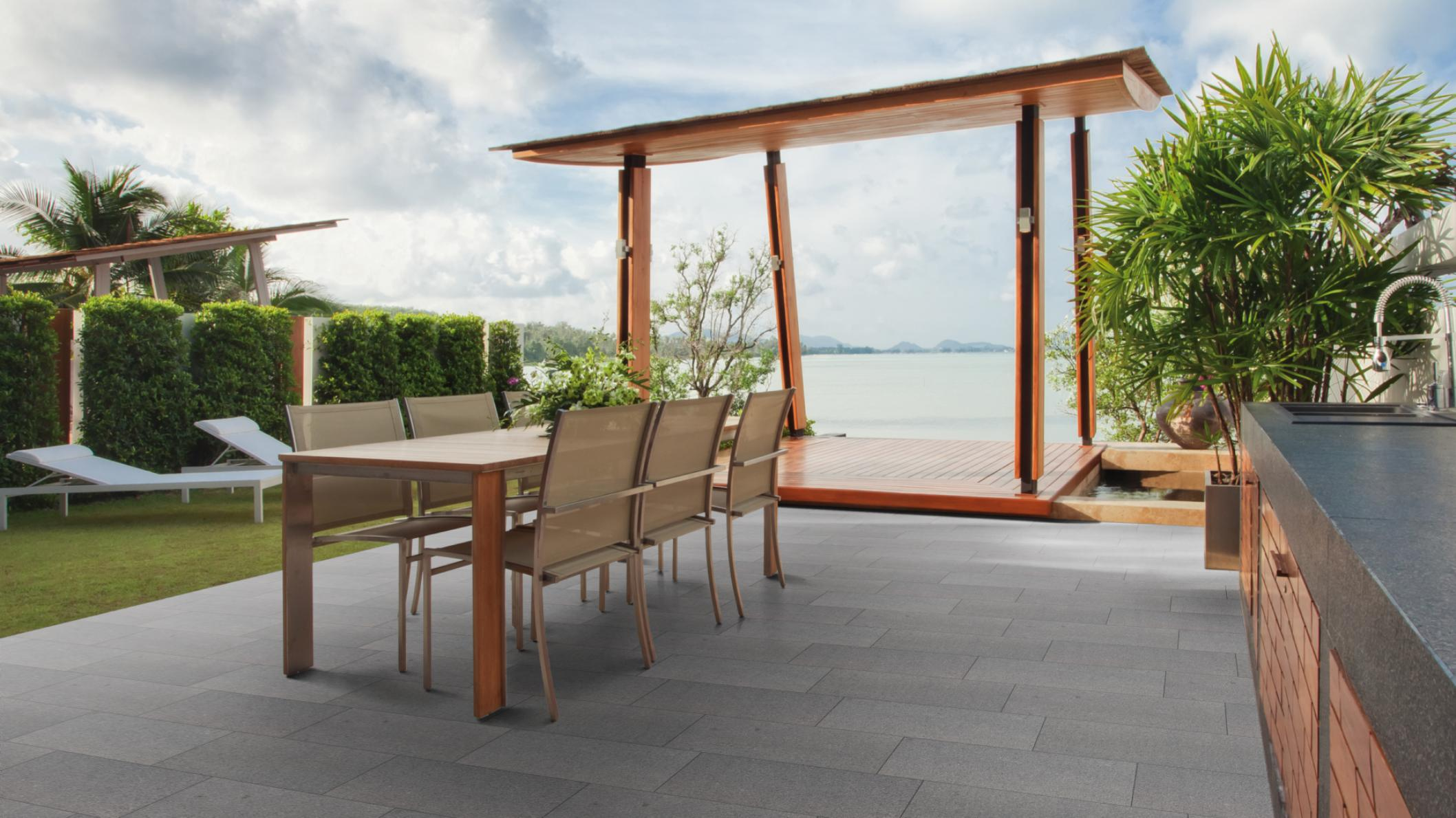 terrassenplatten granit anthrazit geflammt naturstein baumaterial. Black Bedroom Furniture Sets. Home Design Ideas