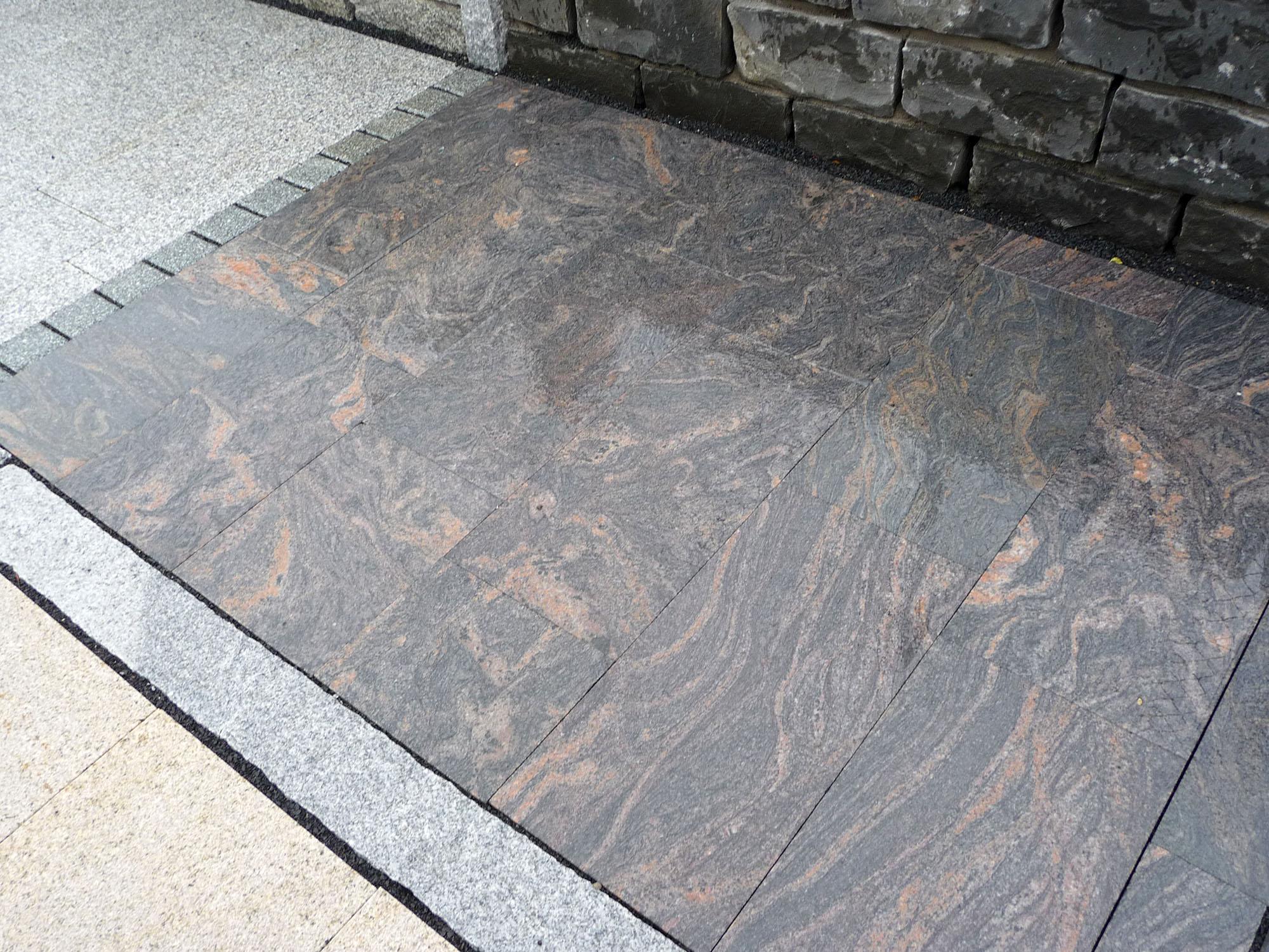 Terrassenplatten Gneis Astra Br Satiniert Naturstein Baumaterial