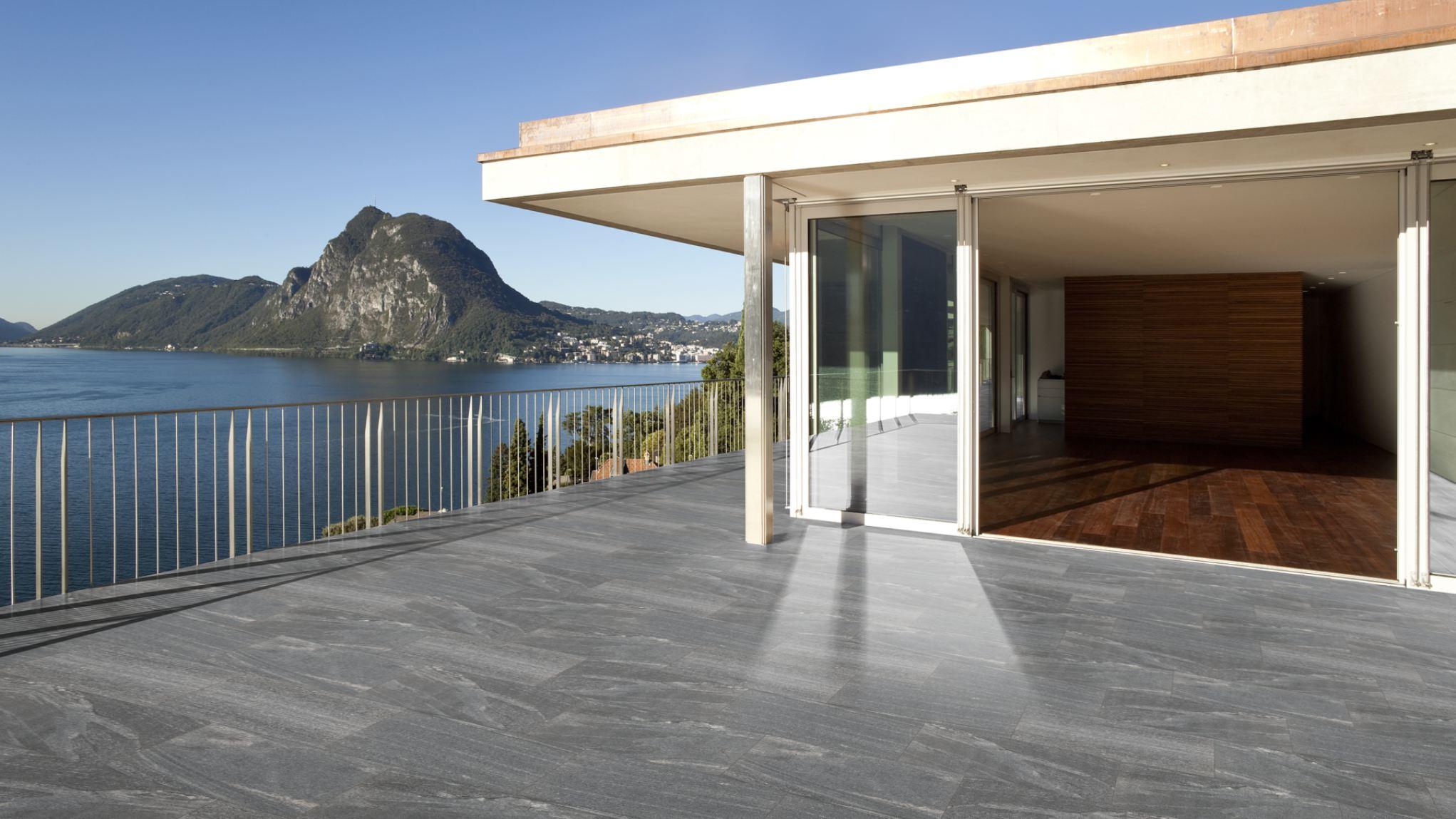 Terrassenplatten Gneis Biasca Br Satiniert Naturstein Baumaterial