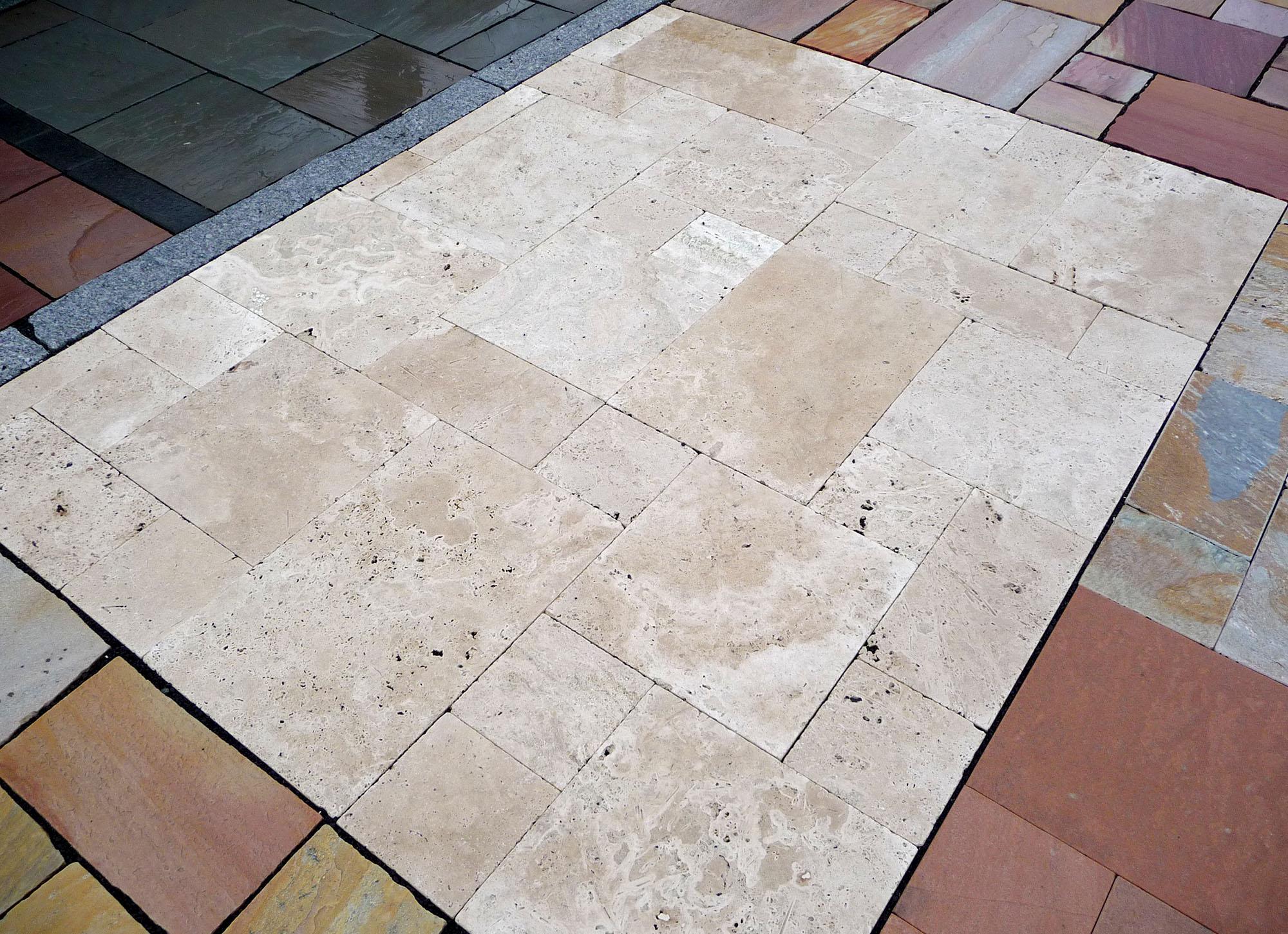 Terrassenplatten Travertin Vanilla Naturstein Baumaterial