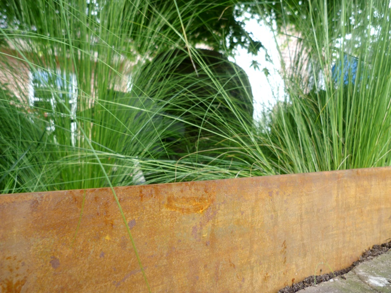 CORTEN-Stahl Einfassung Rasenkante<br>CORTIFLEX (Naturstein Baumaterial)
