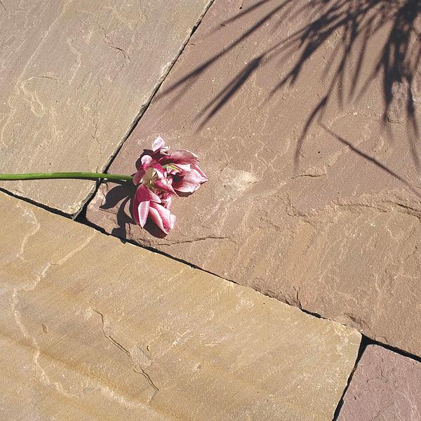 terrassenplatten sandstein modak spaltrau kalibriert. Black Bedroom Furniture Sets. Home Design Ideas