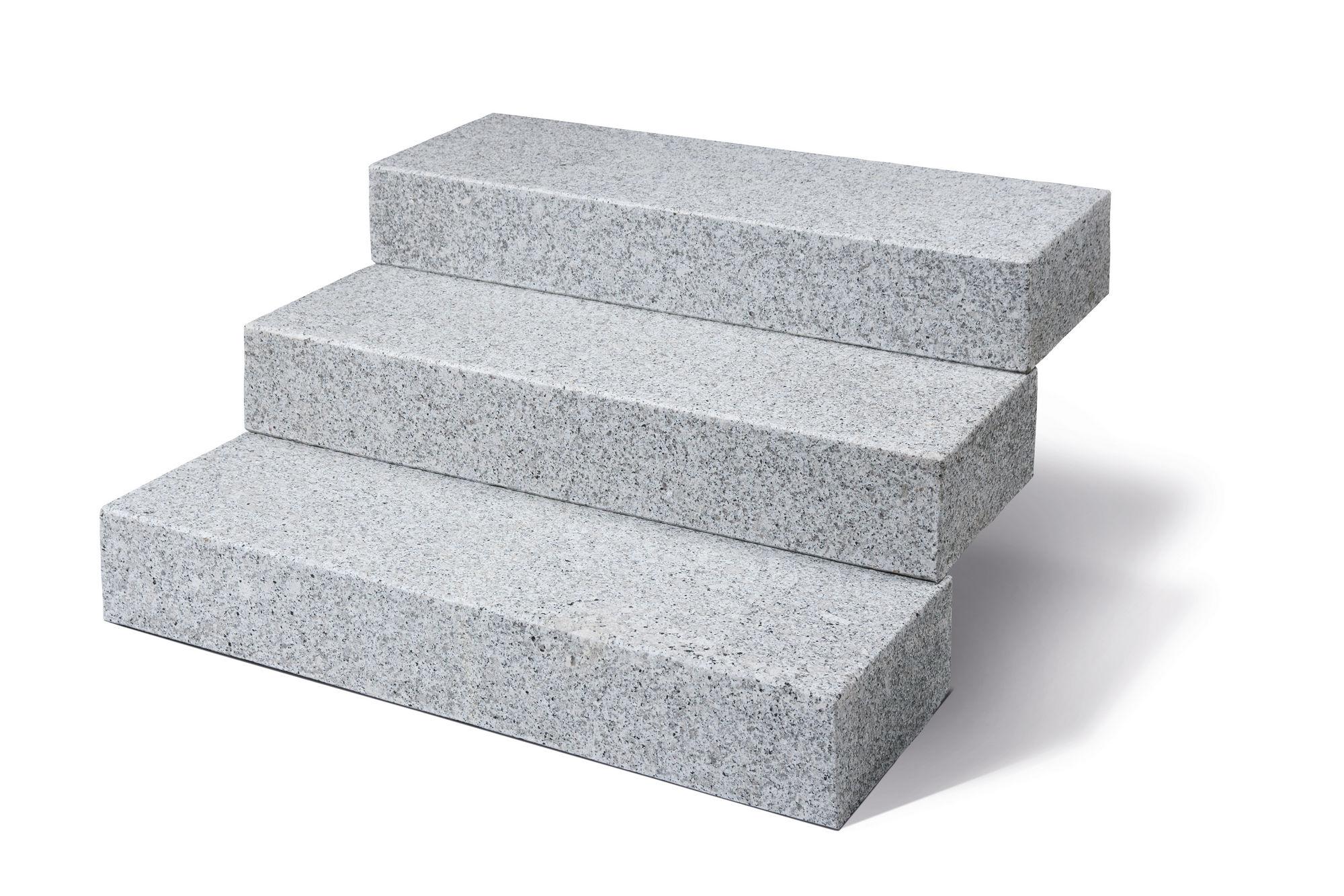 blockstufen granit hellgrau geflammt naturstein baumaterial. Black Bedroom Furniture Sets. Home Design Ideas