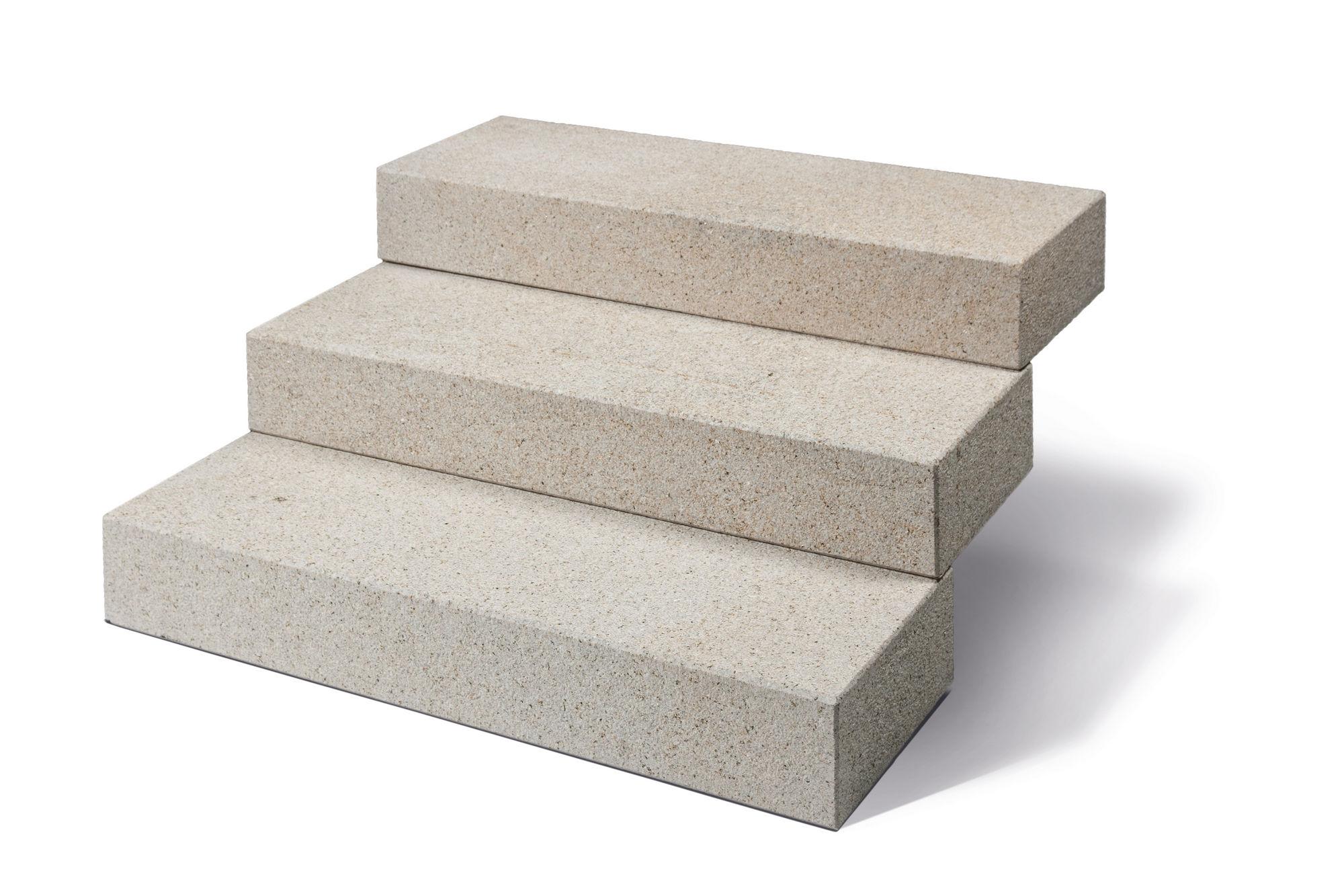 blockstufen granit gelb, gestockt (naturstein baumaterial)