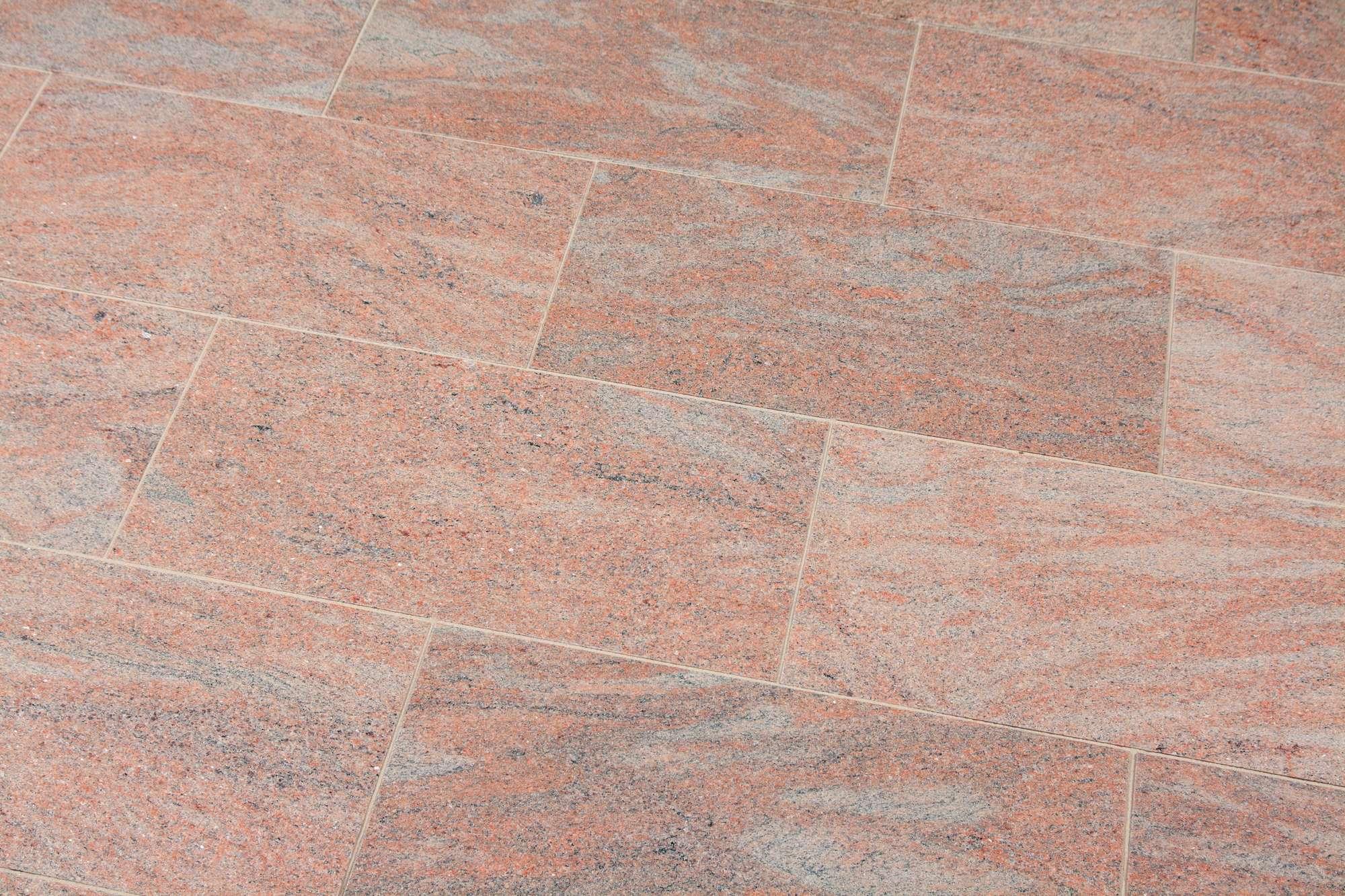 Terrassenplatten Gneis Mintra Br Satiniert Naturstein Baumaterial