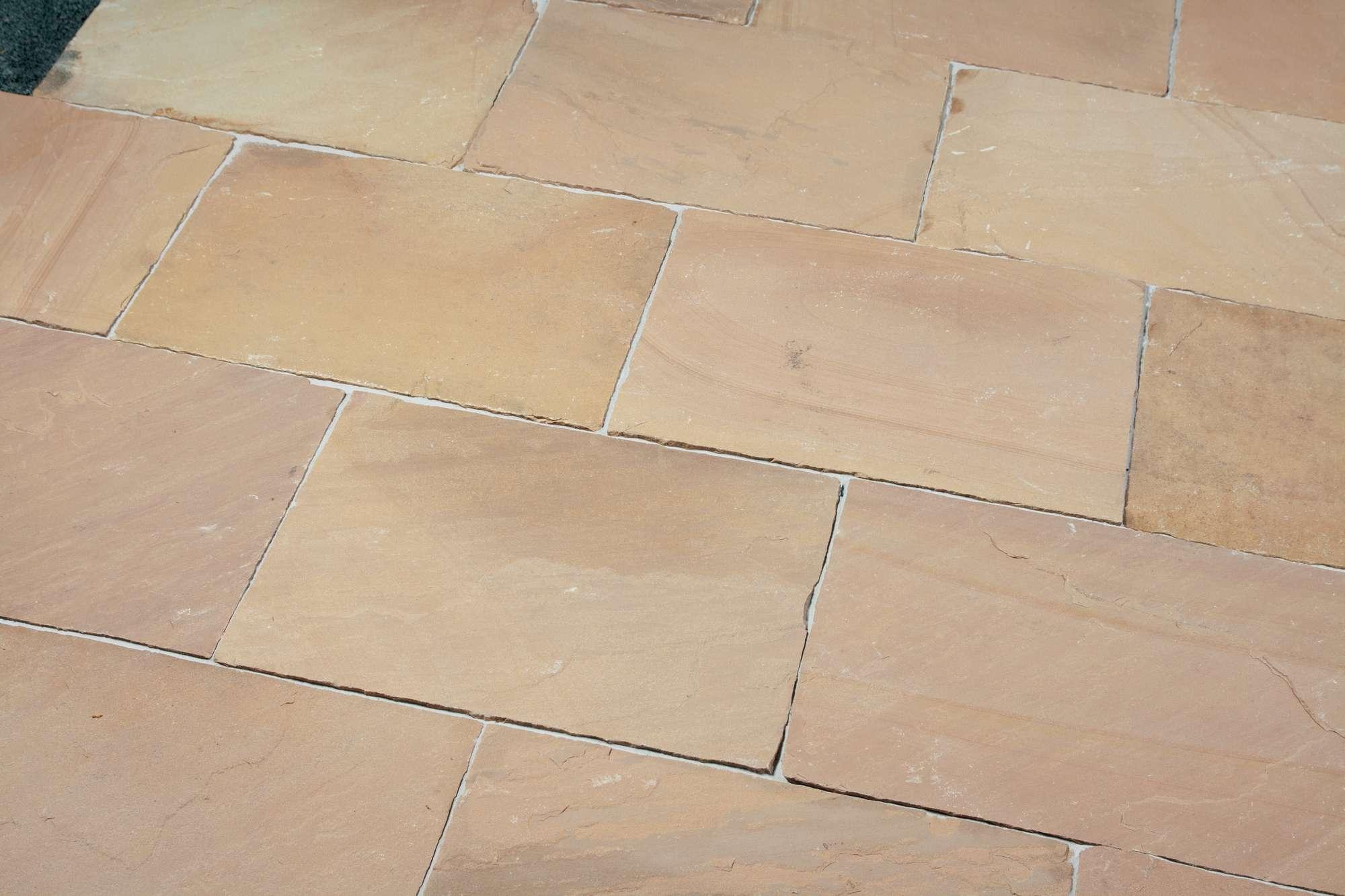 terrassenplatten sandstein mandra spaltrau naturstein. Black Bedroom Furniture Sets. Home Design Ideas