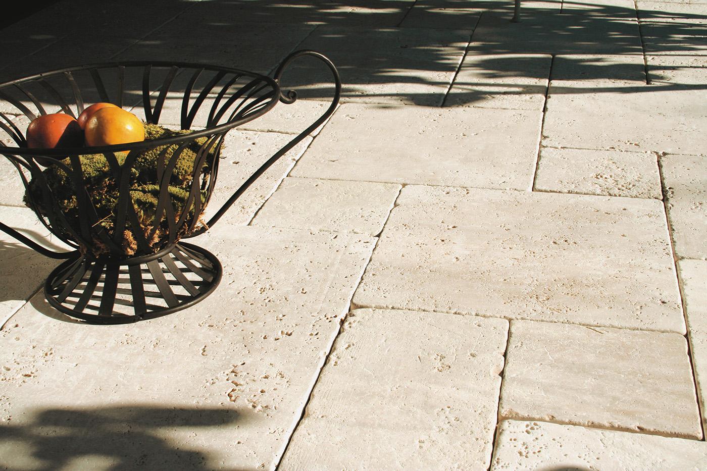 Travertin Terrassenplatten terrassenplatten travertin tuscany beige br getrommelt naturstein