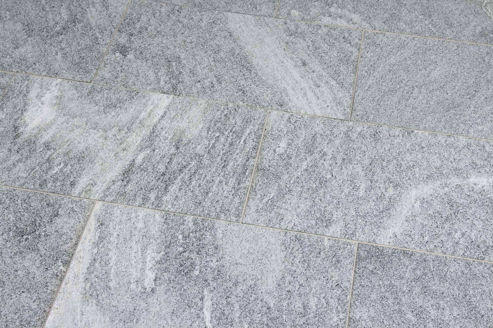 Terrassenplatten Gneis Maggia Vivace Br Geflammt Naturstein