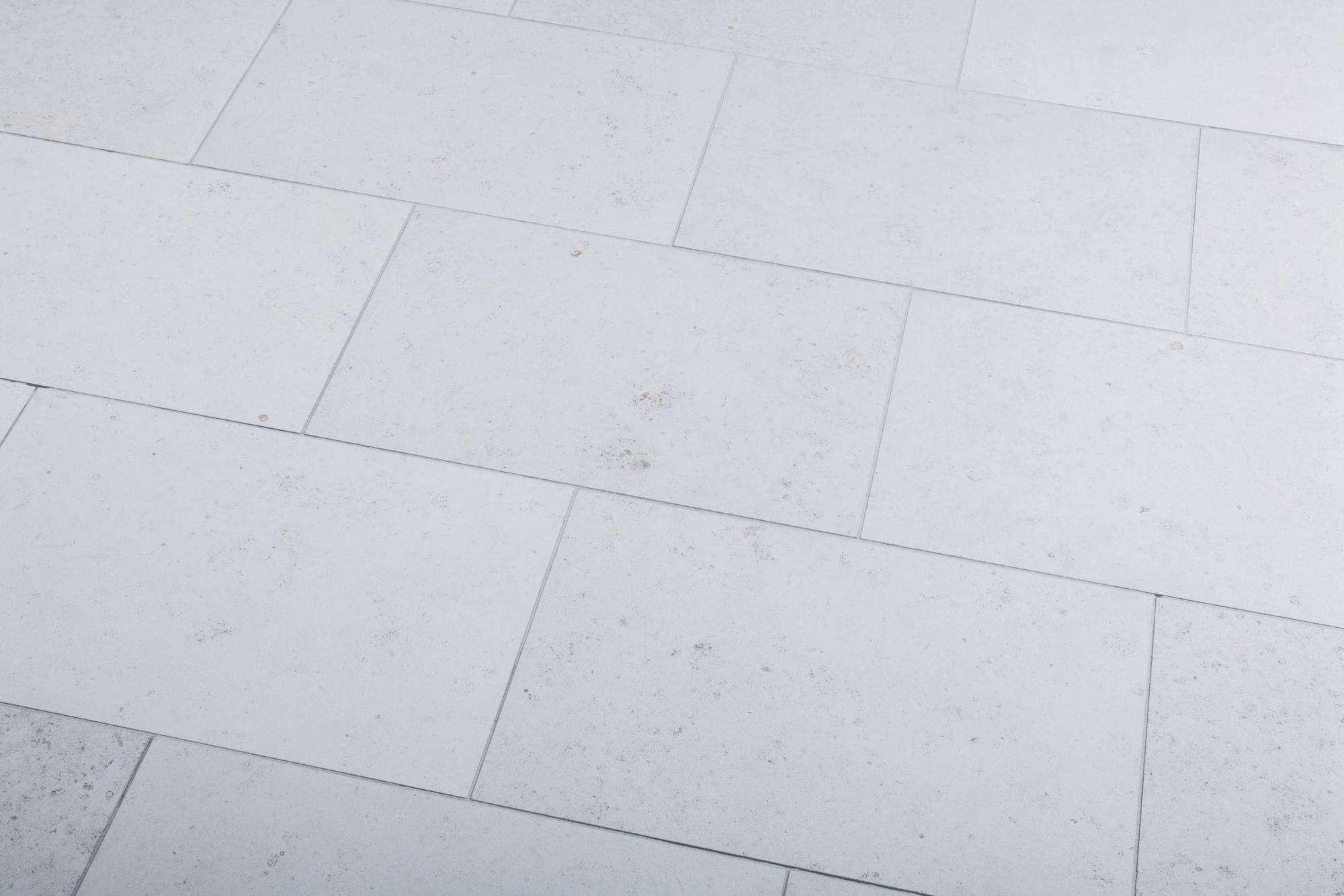 Dietfurter Kalkstein terrassenplatten dietfurter kalkstein br sandgestrahlt naturstein
