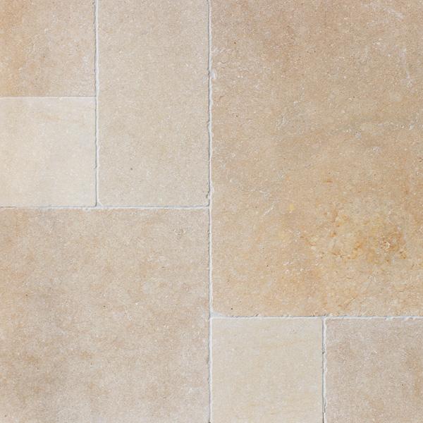 terrassenplatten kalkstein salem gold getrommelt oder sandgestrahlt naturstein baumaterial. Black Bedroom Furniture Sets. Home Design Ideas