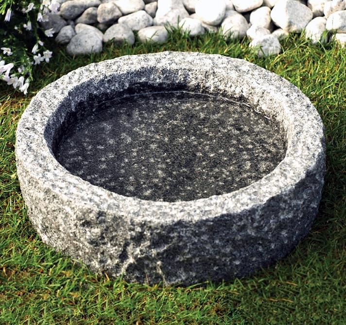 Vogeltränke Granit grau Naturform Naturstein Vogelbad
