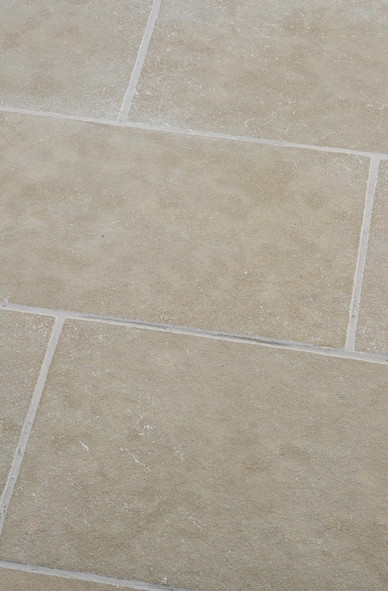 Terrassenplatten Kalkstein Marrakesch Exacta Br Spaltrau Naturstein